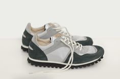 Style: Marathon Trail low Color: Green Upper: Suede and Silver Grey...