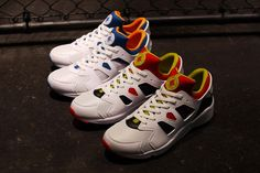 NIKE AIR HUARACHE INTERNATIONAL
