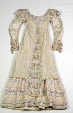 My God, the PEARLS!!!! Truly a royal frock.      Evening dress worn by Empress Josephine ca. 1815      From the Metropolitan Museum of Art