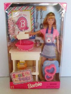 1999 Sweet Treats Barbie Doll Gift Set with Barbie Name Apron, Mixer and Cookie Cutters   eBay