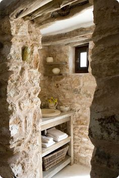 35 Excellent Raw Stone Bathroom Design Ideas : 35 Excellent Raw Stone Bathroom Design Ideas With Stone Wall And Wooden Washbasin And Towel B. Natural Stone Bathroom, House In Nature, Shabby Home, Shabby Chic, Chic Bathrooms, Bathroom Modern, Bathroom Design Small, Dream Bathrooms, Earthy Bathroom