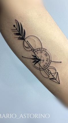 Makale Merkez - 40 Arrow tattoos to get inspired- # tattoo designs - Arrow Tattoos For Women, Dragon Tattoo For Women, Tattoos For Guys, Forarm Tattoos, Body Art Tattoos, Small Tattoos, Tattos, Geometric Arrow Tattoo, Arrow Tattoo Design