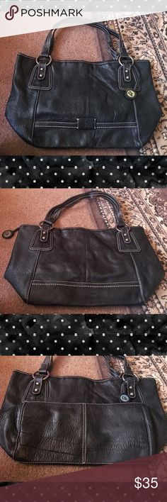 🌹The SAK🌹 genuine distressed leather tote bag A great carry all bag, in great used condition. The leather is soft and distressed and it was purchased this way. It is clean and very roomy! The Sak Bags Totes