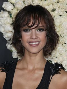 Above the Shoulder Length Haircuts | jessica alba wearing a sexy shoulder length hairstyle with bangs