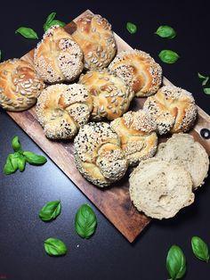 Potato knots More yeast instead of sourdough - Brot backen - Pizza Recipes, Potato Recipes, Easy Dinner Recipes, Bread Recipes, Savoury Baking, Healthy Baking, Classic Coleslaw Recipe, Deep Dish Pizza Recipe, Pizza Logo