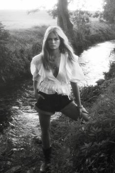 Anna Ewers channels French actress Brigitte Bardot in ''Grandeur Nature'' story for Vogue Paris' November 2019 issue. Captured by photographer Lachlan Bailey. Anna Ewers, Catherine Mcneil, Karen Elson, Alfred Stieglitz, Toni Garrn, French Actress, Animal Fashion, Brigitte Bardot, Vogue Paris