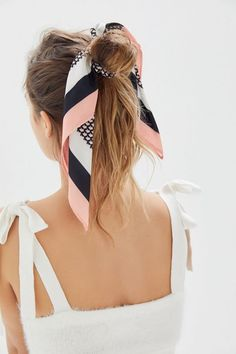45 ways to style hair scarf head scarf styles for short hair how to wear a hair scarf ponytail head scarf wrapping styles hair scarf trend 2019 scarf hairstyles for long hair Headband Hairstyles, Cute Hairstyles, Braided Hairstyles, Style Hairstyle, Teenage Hairstyles, Hairstyles Videos, Hair Scarf Styles, Curly Hair Styles, Bun Styles