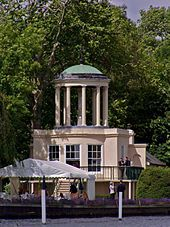 Temple Island - The start of the Henley Royal Regatta course. Henley Royal Regatta, Henley On Thames, River Thames, Rowing, Gazebo, Temple, Places To Visit, Cottage, Outdoor Structures
