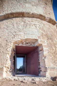 marià castelló martínez has restored formentera's 'pi des català' tower, a twostorey monument that dates back to the century - architecture Architecture Renovation, New Architecture, Contemporary Architecture, Architecture Details, Conservation Architecture, Formentera Spain, Old Building, Stone Houses, Facade