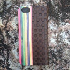 iPhone 6 flip case in color bamboo