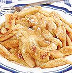 A krumplihét utolsó napjára pedig jöjjön egy desszert. Onion Rings, Apple Pie, Food And Drink, Chicken, Ethnic Recipes, Party, Apple Cobbler, Fiesta Party, Receptions
