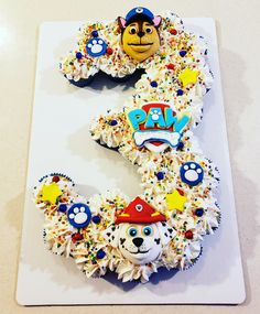 Paw patrol pull apart cupcake in birthday age birthday. White with yellow red blue sprinkles and printable cupcake character toppers Toddler Birthday Cakes, 3rd Birthday Cakes, 1st Boy Birthday, Special Birthday, 3rd Birthday Parties, Birthday Ideas, Cupcakes Paw Patrol, Paw Patrol Cake, Paw Patrol Party