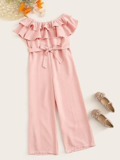 To find out about the Girls Off Shoulder Ruffle Overlay Belted Jumpsuit at SHEIN, part of our latest Girls Jumpsuits ready to shop online today! Dresses Kids Girl, Cute Girl Outfits, Kids Outfits, Jumpsuit For Kids, Girl Fashion, Fashion Outfits, Jumpsuits For Girls, Baby Dress, Clothes