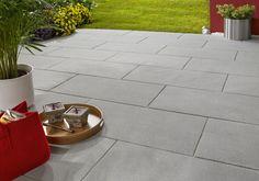 Habanera® - Glanz im großen Format. Klares Design, ebene Oberflächen und dezente Farben. Die eingearbeiteten Glimmerpartikel bringen die Platten je nach Lichteinfall zum Strahlen und setzen Ihre Terrasse eindrucksvoll in Szene.