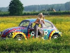 """Painted VW Bug's were a hit with Hippies in the This one is not """"hand painted""""like the,""""Real"""" Hippie style of painted VW's. X Bros Apparel Vintage Motor T-shirts, VW Beetle & Bus T-shirts, Great price Hippie Man, Happy Hippie, Hippie Love, Hippie Chick, Hippie Vibes, Hippie Peace, 70s Hippie, Vw Bus, Happy New Day"""
