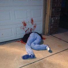 Gruesome Halloween Decor : scary halloween prank