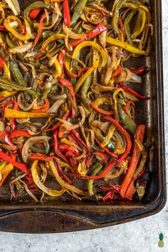 yummys to tackle Roasted Fajita Vegetable Bowls easy + oil-free -- Healthy Vegan Lunch For On The Go Plant Based Recipes, Vegetable Recipes, Vegetarian Recipes, Healthy Recipes, Veggie Meals, Healthy Eats, Vegan Fajitas, Vegetarian Fajitas, Daniel Fast