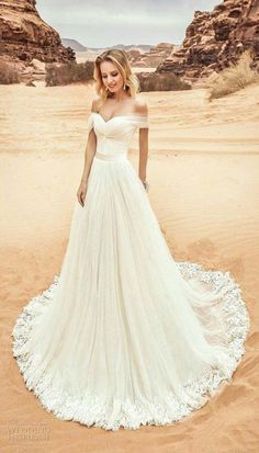 Tulle Off-the-shoulder Neckline Wedding Dress