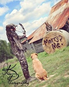 i love this hunting couple photography Country Engagement, Engagement Couple, Wedding Engagement, Engagement Ideas, Hunting Engagement Pictures, Engagement Shoots, Camo Wedding, Wedding Pictures, Dream Wedding