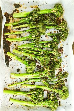 Easy Garlic Roasted Broccolini – The BEST way to cook broccolini. I cooked a half recipe in the Wolfgang Puck Pressure Oven for 10 minutes with the vent open.