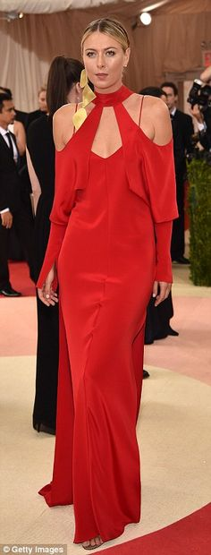 "Maria Sharapova Juan Carlos Obando dress and Gianvito Rossi shoes | ""Manus x Machina: Fashion In An Age Of Technology"" Costume Institute Gala at Metropolitan Museum of Art on May 2, 2016 in New York City. 