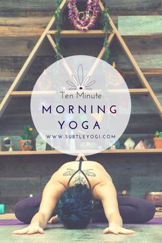 10 Minute Morning Yoga Routine You Can Do From Your Bed Wake up naturally and efficiently with these yoga postures. A ten minute morning yoga routine you can do from the comforts of your own bed! Bikram Yoga, Ashtanga Yoga, Yin Yoga, 10 Minute Morning Yoga, Morning Yoga Routine, Yoga Routines, Morning Stretches, Bed Yoga Routine, Daily Yoga Routine