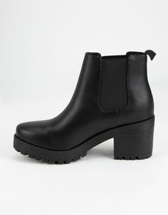 (paid link) How To Wear Black Leather Chelsea Boots. >>>Click on the image for additional details. Black Chelsea Boots Outfit, Chelsea Boots Heel, Black Leather Chelsea Boots, High Heel Boots, Black Boots, Heeled Boots, Ankle Booties, Bootie Boots, Heels Outfits