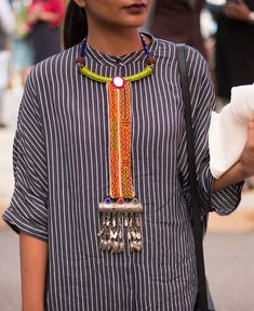 Online shopping for Street Style from a great selection at Fashion Store. Fabric Necklace, Diy Necklace, Necklaces, Textile Jewelry, Fabric Jewelry, Jewellery, India Fashion, Boho Fashion, Street Style India