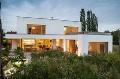 Modern Small House Design, Small Modern Home, Minimalist House Design, House Roof, Facade House, My House, House Facades, Bungalow House Design, House Front Design