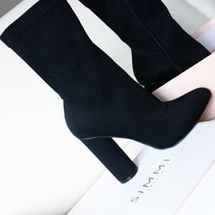 Casual Fall Shoes – Must Have Footwear Collection. 32 Trendy Street Style Shoes Looks To Wear Asap – Casual Fall Shoes – Must Have Footwear Collection. Heeled Boots, Bootie Boots, Shoe Boots, Shoes Heels, Ankle Boots, Dream Shoes, Crazy Shoes, Cute Shoes, Me Too Shoes