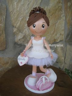 Diy Crafts For Gifts, Foam Crafts, Paper Crafts, Wood Peg Dolls, Polymer Clay Dolls, Pasta Flexible, Book Design, Cake Toppers, Cinderella