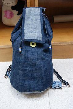 esta es la mochila vaquera al completo, con jeans! ^_^