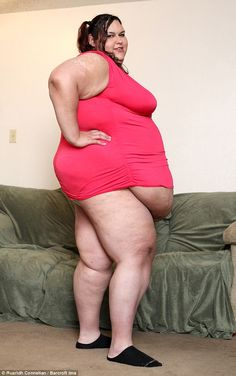 Monica already weighs 700 lbs but is striving to be 1,000 lbs to be the world's fattest woman
