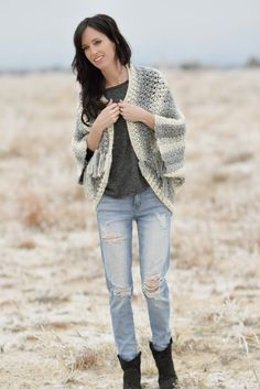 lion-brand-scarfie-easy-blanket-sweater-pattern-grey-8