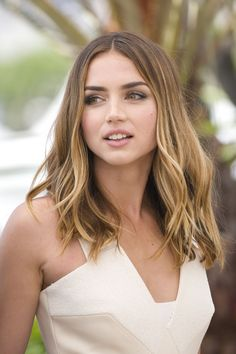Ana de Armas Hands of Stone Photocall at Cannes Film Festival May 17 - Diy Hair Style Ideas Beautiful Eyes, Most Beautiful Women, Hollywood Celebrities, Cannes Film Festival, Girl Face, Beautiful Actresses, Pretty Face, Kate Middleton, Hair Cuts