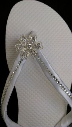 """""""Tahiti"""" Bridal Flip Flops We should do this! Get the 99 cent flip-flips from wal-mart and then some glue-on gems! Bridesmaid Flip Flops, Wedding Flip Flops, Wedding Shoes, Bling Flip Flops, Flip Flop Shoes, Flip Flop Craft, Decorating Flip Flops, Jimmy Choo, Christian Louboutin"""