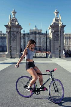 I can ride my bike with no handle bars... cyclist chick trackstand practice