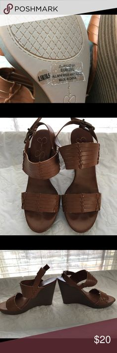 Jessica Simpson wedges •worn 3 times •heel height 4 inches •smoke/pet free Jessica Simpson Shoes Wedges