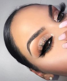 Stunning Shimmery Eyeshadow Look Ideas - - Stunning Shimmery Eyeshadow Look Ideas Beauty Makeup Hacks Ideas Wedding Makeup Looks for Women Make. Glam Makeup, Baddie Makeup, Flawless Makeup, Gorgeous Makeup, Love Makeup, Skin Makeup, Makeup Inspo, Eyeshadow Makeup, Eyeliner