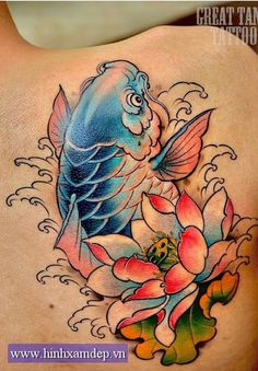 I seriously like the tints, lines, and linework. This is a superb tattoo design if you want inspiration for a Japanese Koi Fish Tattoo, Koi Fish Drawing, Japanese Tattoo Designs, Circle Tattoos, Body Art Tattoos, Sleeve Tattoos, Graffiti Tattoo, Asian Tattoos, Fish Tattoos