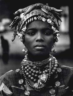 Africa | Portrait of a woman from the Ivory Coast. 1970 | © Mario de Biasi