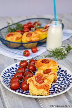 School Lunch, Starters, Mozzarella, Tomatoes, French Toast, Food And Drink, Cheese, Breakfast, Recipes