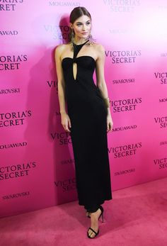 See what the models changed into after the runway, from Bella Hadid to Lily Aldridge. Victoria Secret Outfits, Victoria Dress, Victoria Secret Fashion Show, Grace Elizabeth, Elizabeth Banks, Bella Hadid Outfits, Vs Fashion Shows, Fashion Models, Fashion Tips