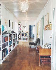 Ikea 'Billy' bookcases in spacious hallway @191kvadrat