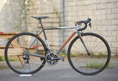 Each year, Speedvagen offers up a Surprise Me! option for their road and 'cross bikes. This year's models feature bright gradients and polka dots, building over previous year's designs, with three ...