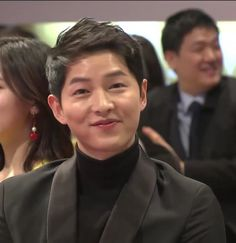 SJK at Korean PD Awards dated he is cute Song Joong Ki Cute, Song Joong Ki Birthday, Soon Joong Ki, Decendants Of The Sun, Sun Song, Korean Drama Series, Songsong Couple, Korean Language Learning, Hallyu Star