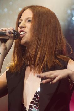 Jess Glynne (with straight hair)