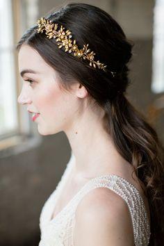 Flower Crown Bride, Flower Crown Hairstyle, Floral Crown, Flower Crowns, Floral Hair, Long Hair Wedding Styles, Wedding Hair Pins, Wedding Hair And Makeup, Bridal Hair
