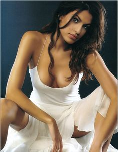 20 Hottest Photos Of Eva Mendes | She just got sexier! How is this even possible?! Only you, Eva... only you.