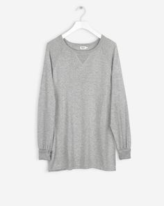 Straight raglan style pullover with longer sleeves and thumbholes. made in a light cotton cashmere yarn that is both luxurious and relaxed.